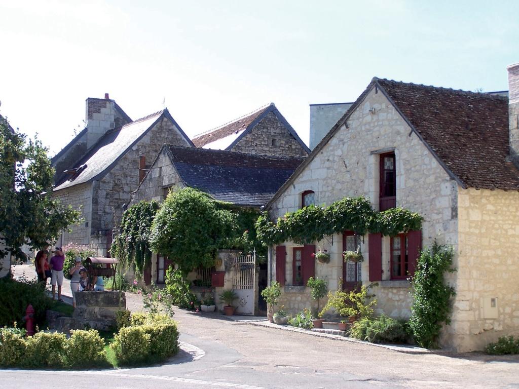 Les plus beaux villages de France  - Page 2 Crissa10