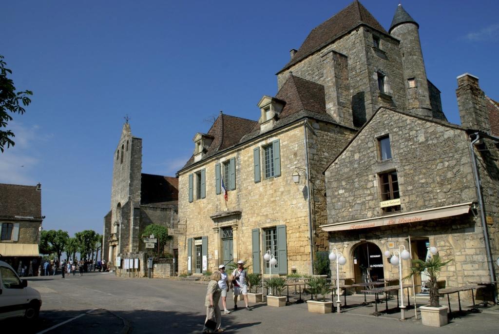 Les plus beaux villages de France  - Page 2 Domme-10