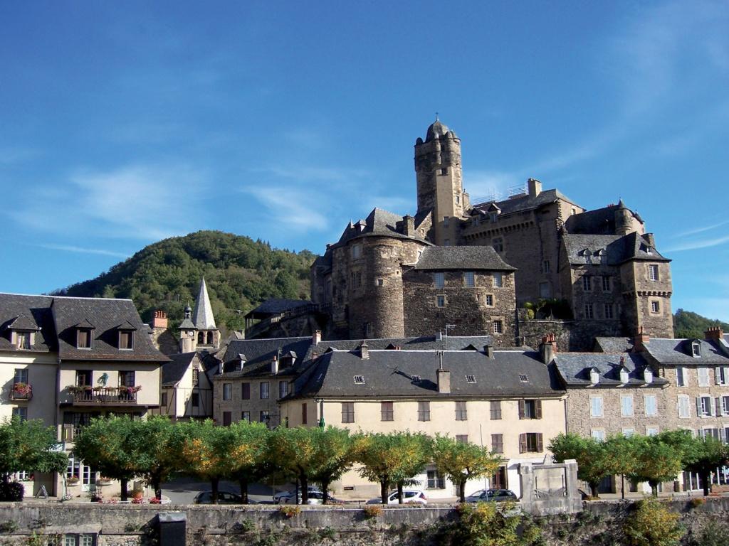 Les plus beaux villages de France  - Page 3 Estain12