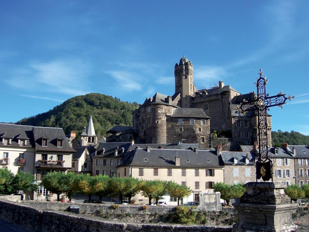 Les plus beaux villages de France  - Page 3 Estain13