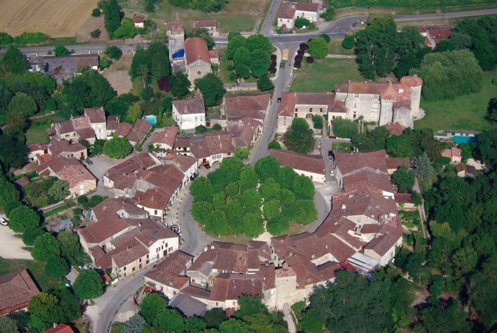 Les plus beaux villages de France  - Page 3 Fource10