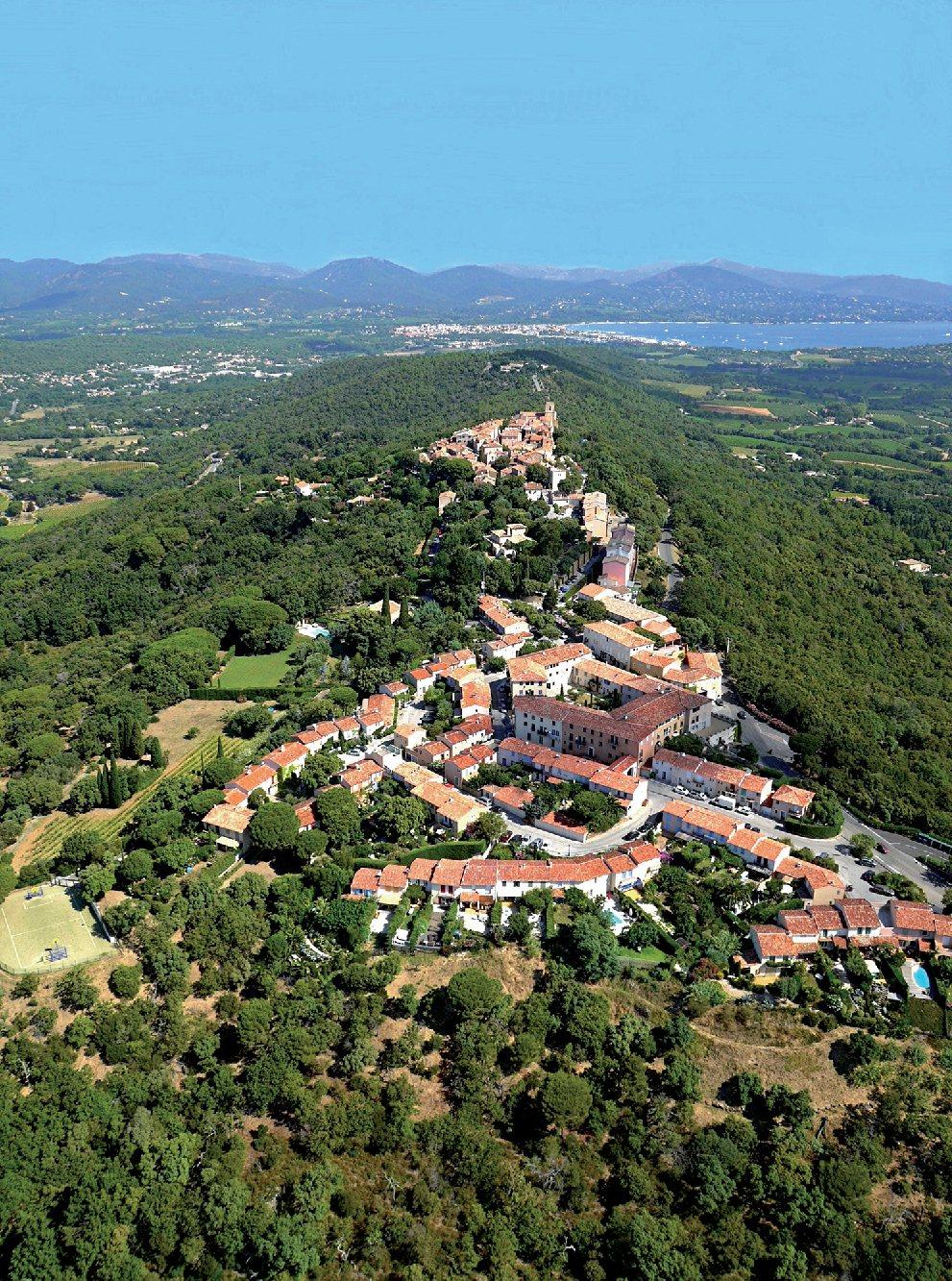 Les plus beaux villages de France  - Page 3 Gassin13