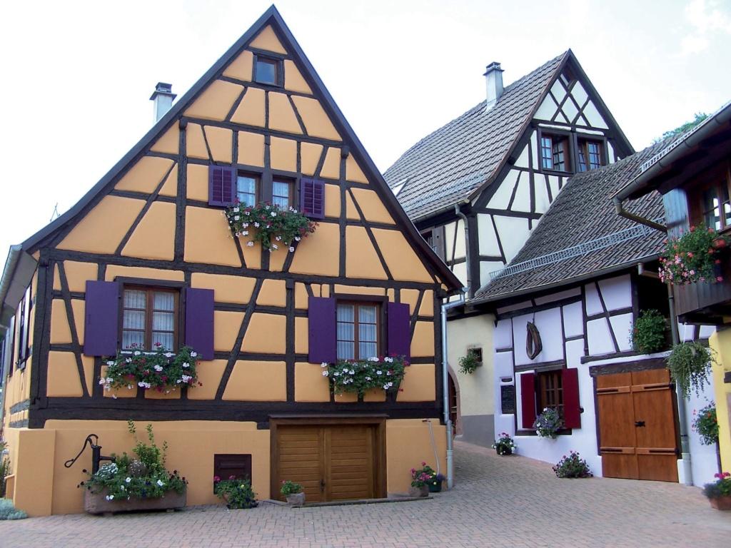 Les plus beaux villages de France  - Page 3 Hunawi10