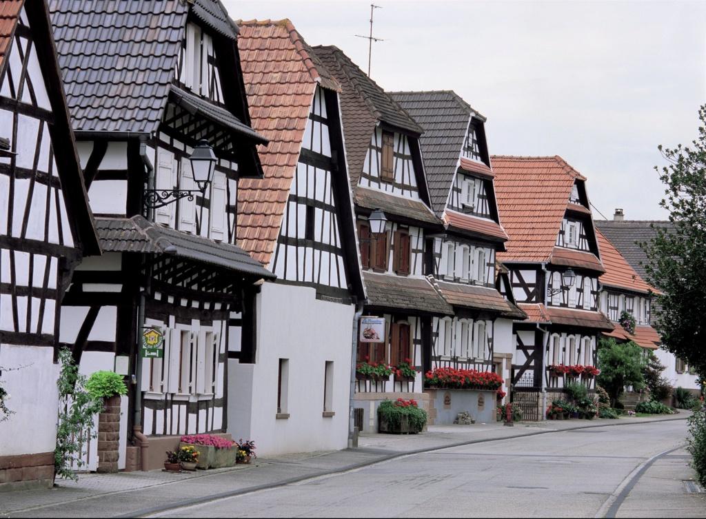 Les plus beaux villages de France  - Page 3 Hunspa10