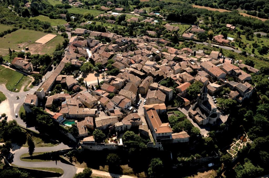 Les plus beaux villages de France  - Page 3 La-gar12
