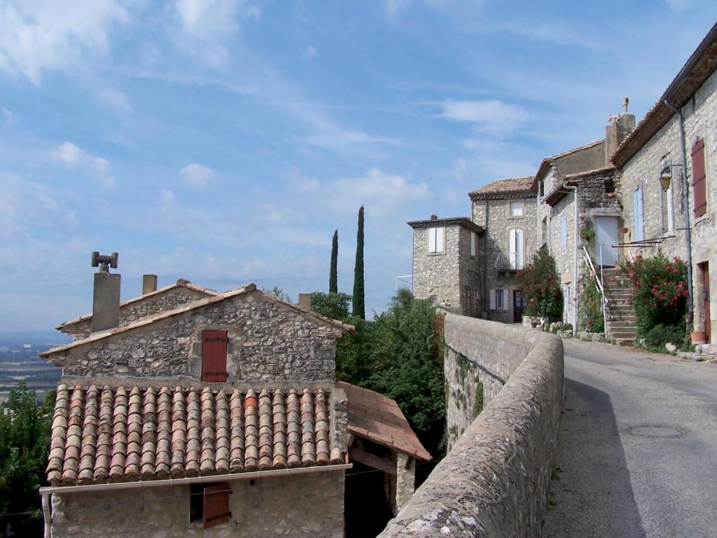 Les plus beaux villages de France  - Page 3 La-gar14
