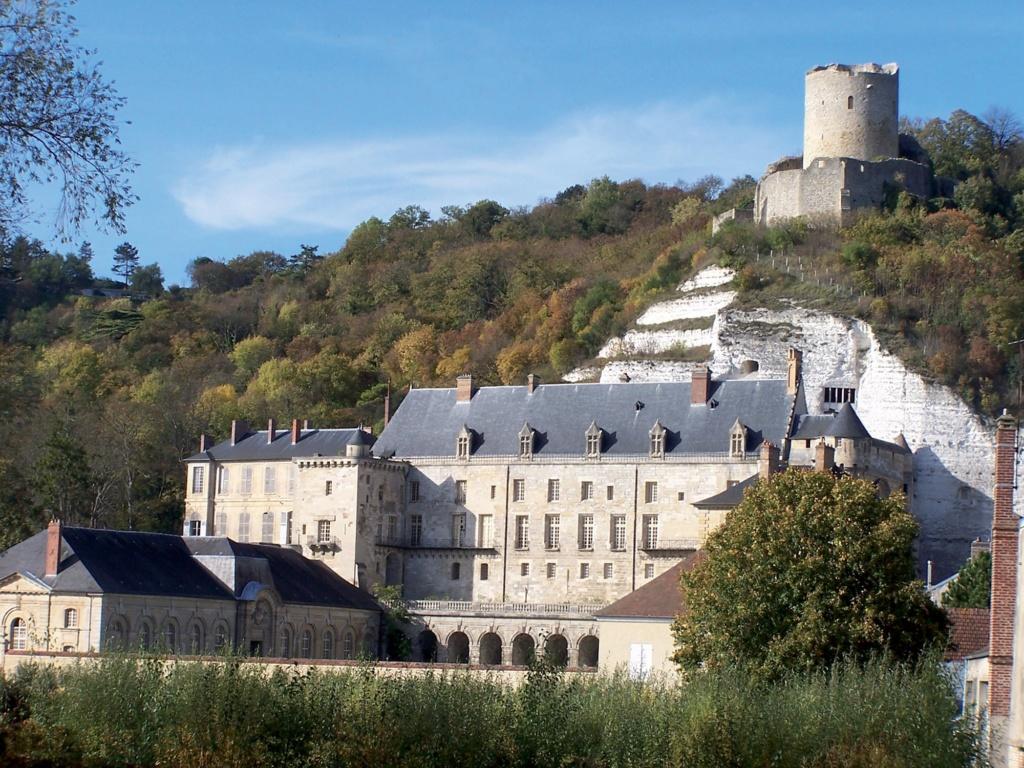 Les plus beaux villages de France  - Page 3 La-roc13