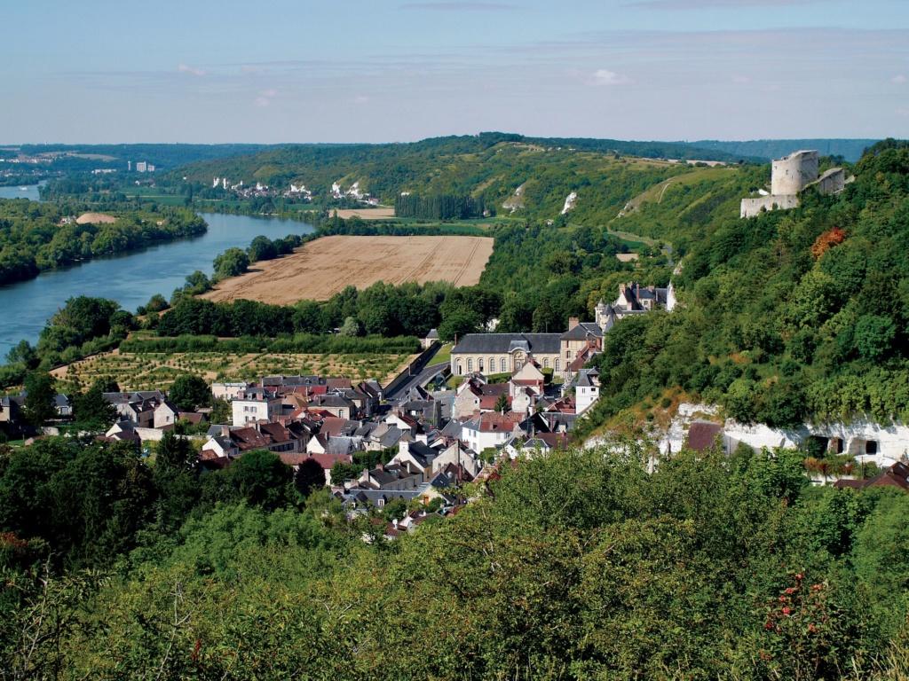 Les plus beaux villages de France  - Page 3 La-roc14