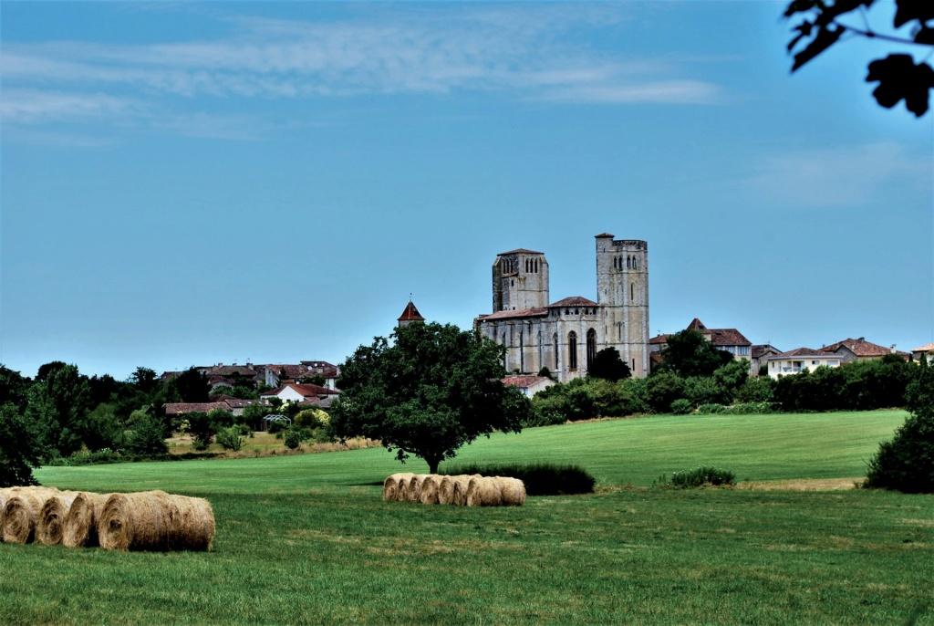 Les plus beaux villages de France  - Page 3 La-rom13