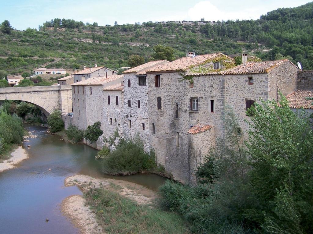 Les plus beaux villages de France  - Page 3 Lagras10