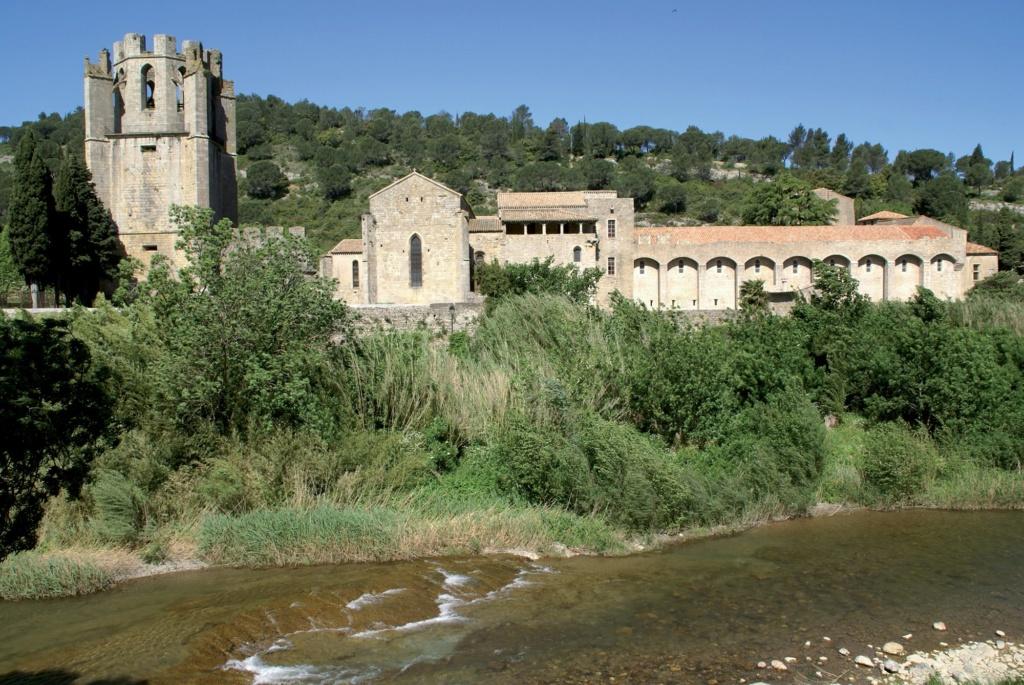 Les plus beaux villages de France  - Page 3 Lagras12