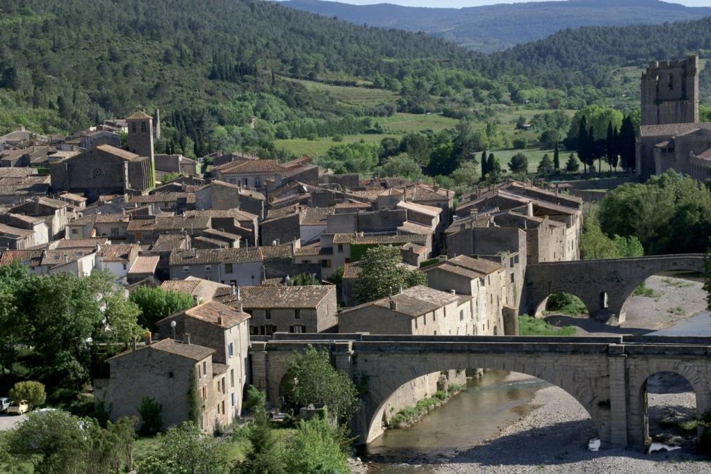 Les plus beaux villages de France  - Page 3 Lagras13