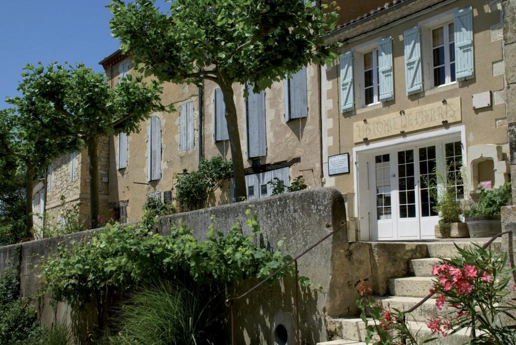 Les plus beaux villages de France  - Page 4 Lavard11