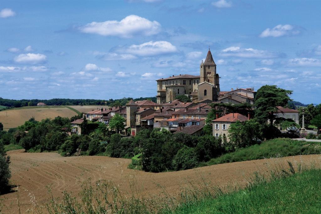 Les plus beaux villages de France  - Page 4 Lavard13