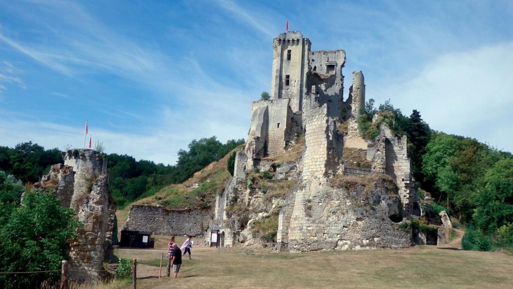 Les plus beaux villages de France  - Page 4 Lavard16