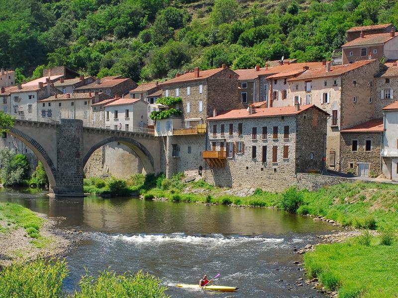 Les plus beaux villages de France  Lavozt10