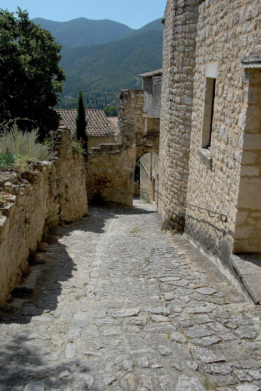 Les plus beaux villages de France  - Page 4 Le-poe11