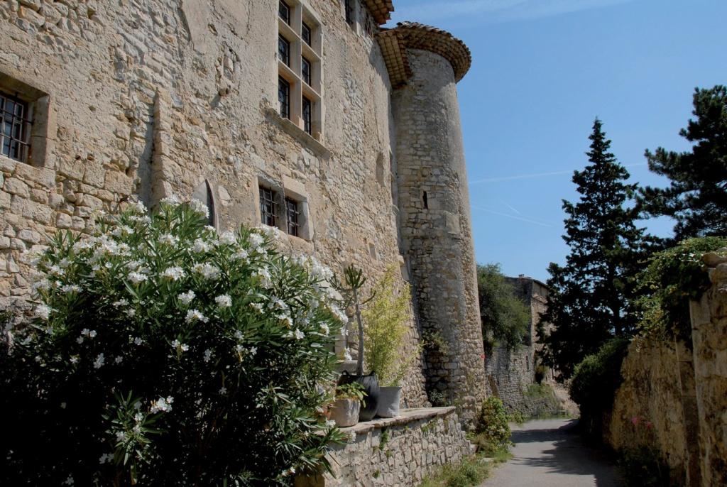 Les plus beaux villages de France  - Page 4 Le-poe12
