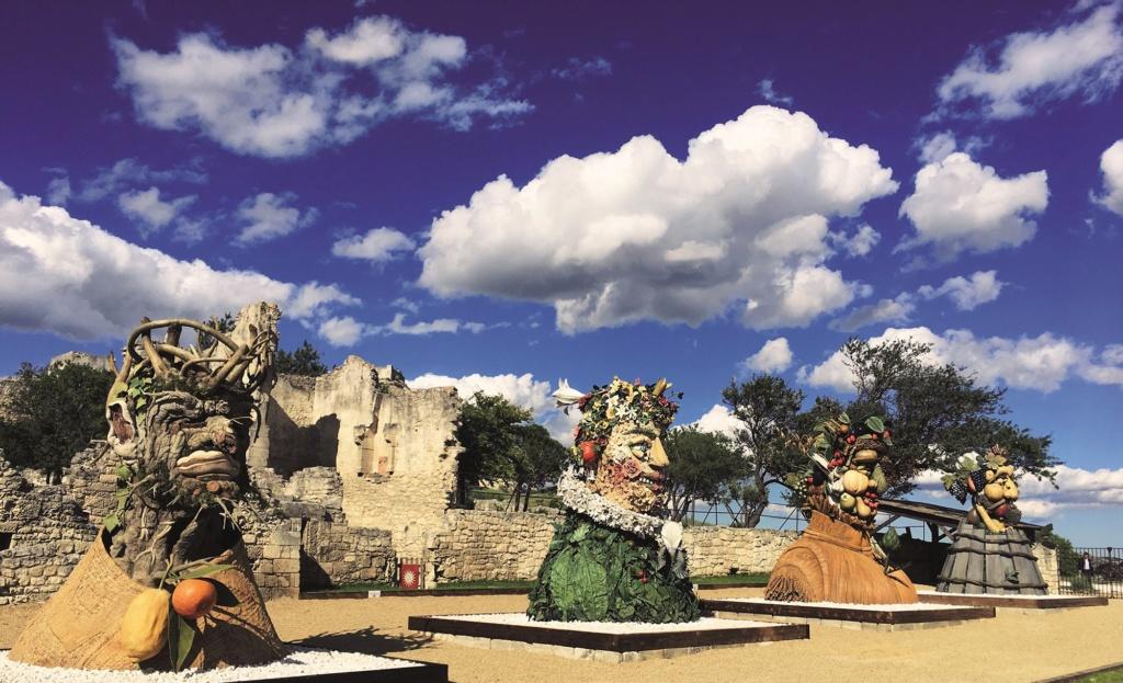Les plus beaux villages de France  - Page 4 Les-ba11