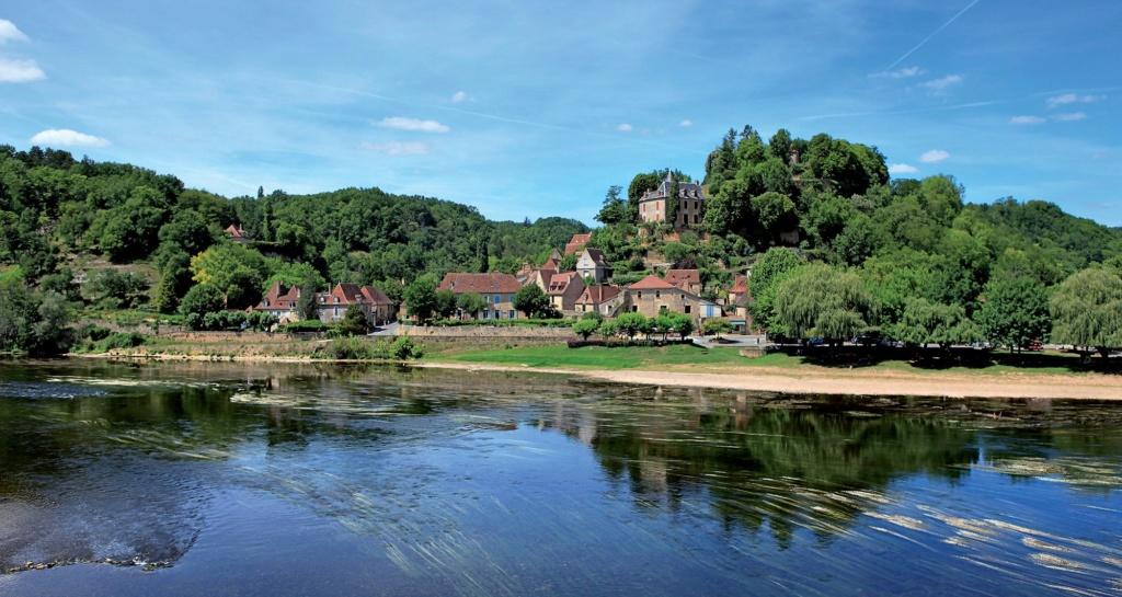 Les plus beaux villages de France  - Page 4 Limeui12