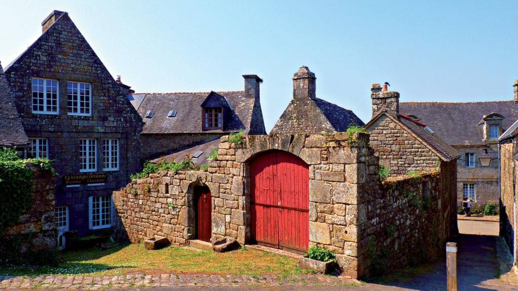 Les plus beaux villages de France  - Page 4 Locron12