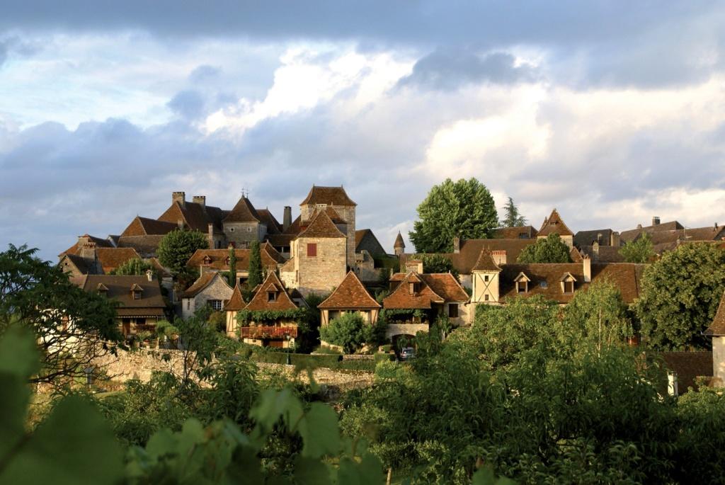 Les plus beaux villages de France  - Page 4 Loubre11