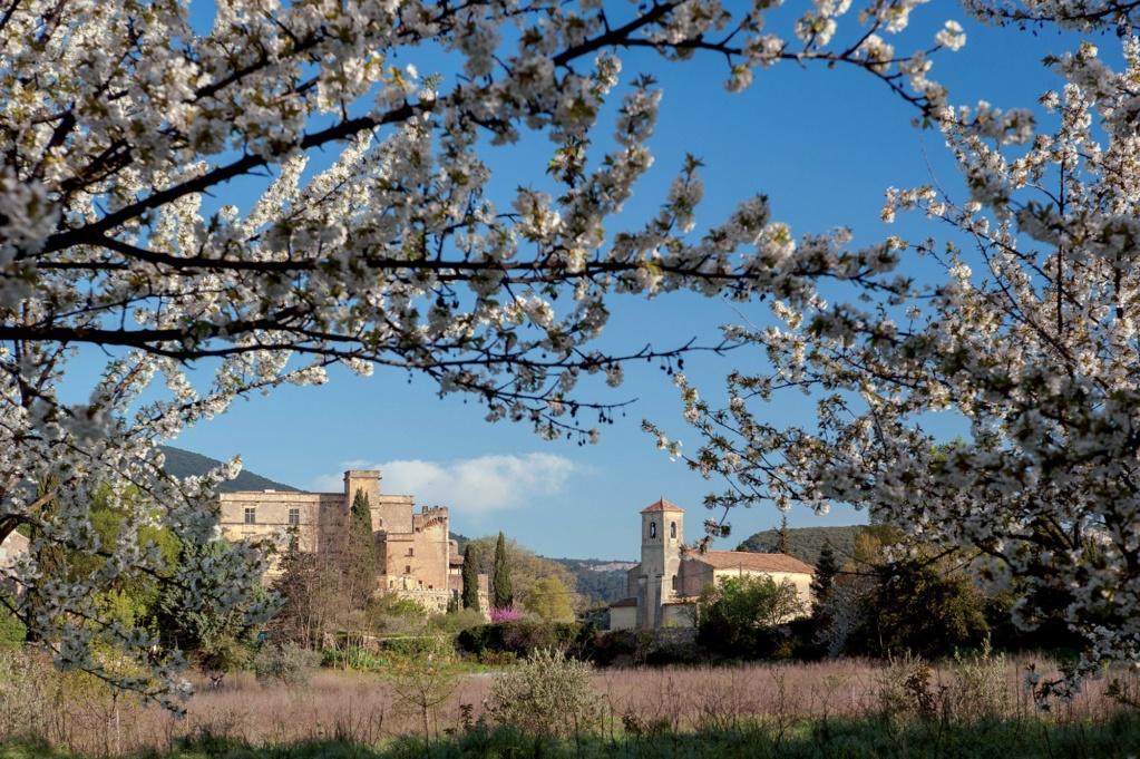 Les plus beaux villages de France  - Page 4 Lourma10