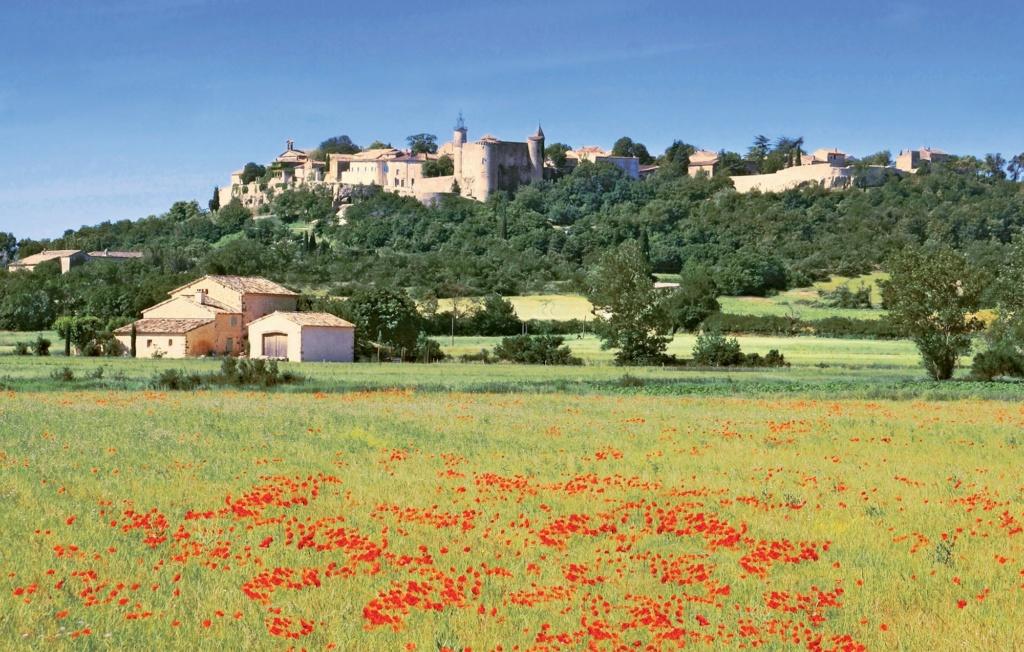Les plus beaux villages de France  - Page 4 Lussan11
