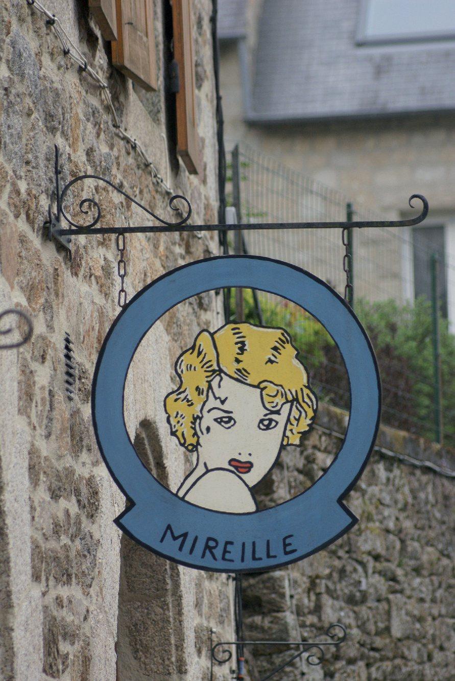 Les plus beaux villages de France  - Page 4 Moncon10