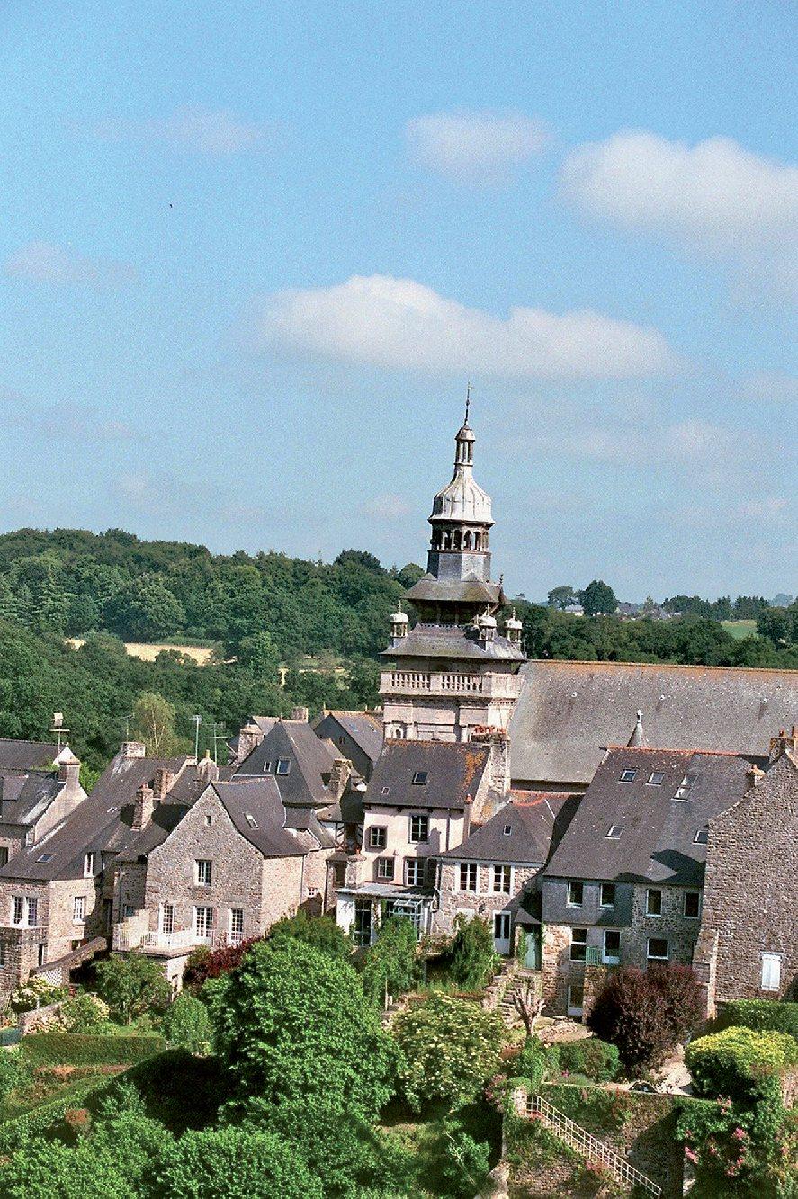 Les plus beaux villages de France  - Page 4 Moncon13