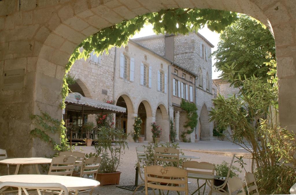 Les plus beaux villages de France  - Page 4 Monfla10