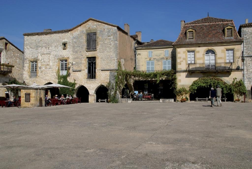 Les plus beaux villages de France  - Page 5 Monpaz10