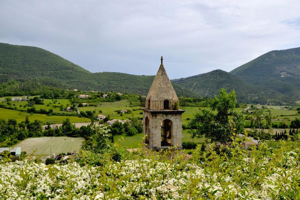 Les plus beaux villages de France  - Page 5 Montbr10