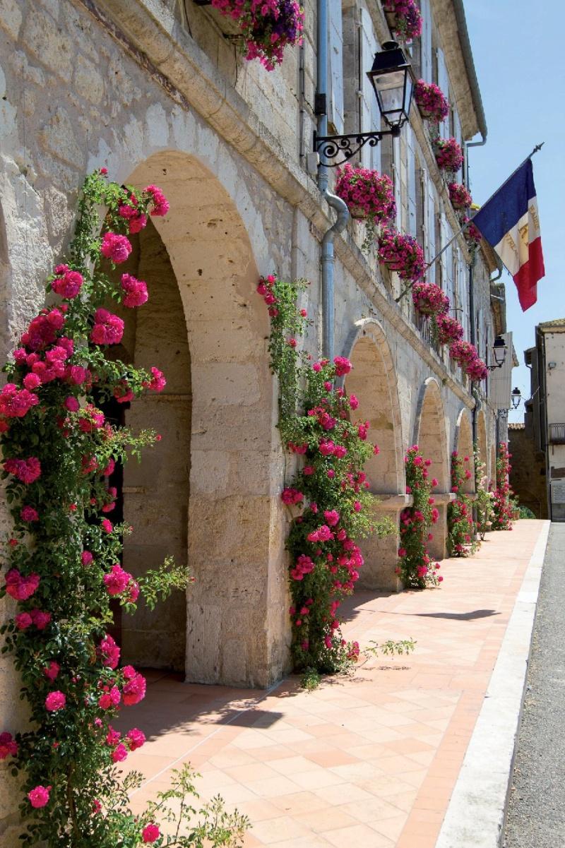 Les plus beaux villages de France  - Page 5 Montre11