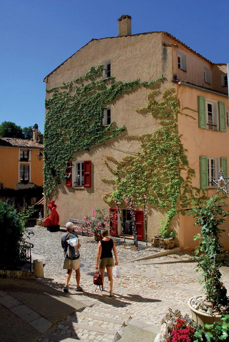Les plus beaux villages de France  - Page 5 Mousti14