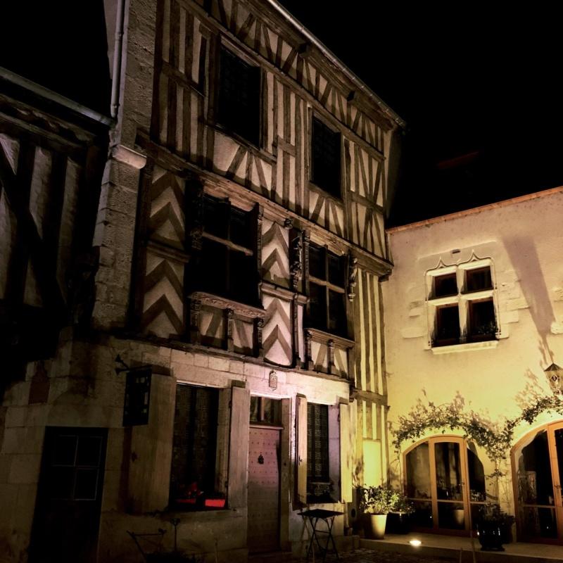 Les plus beaux villages de France  - Page 5 Noyers11