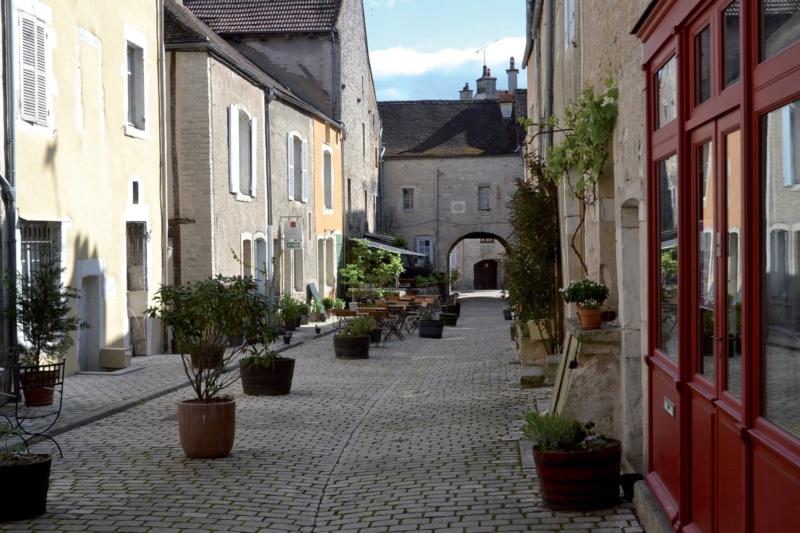 Les plus beaux villages de France  - Page 5 Noyers13