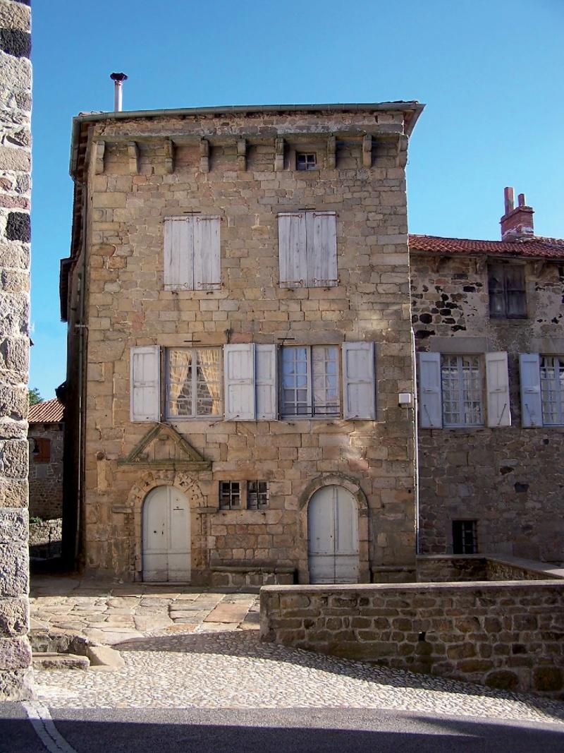 Les plus beaux villages de France  - Page 5 Pradel10