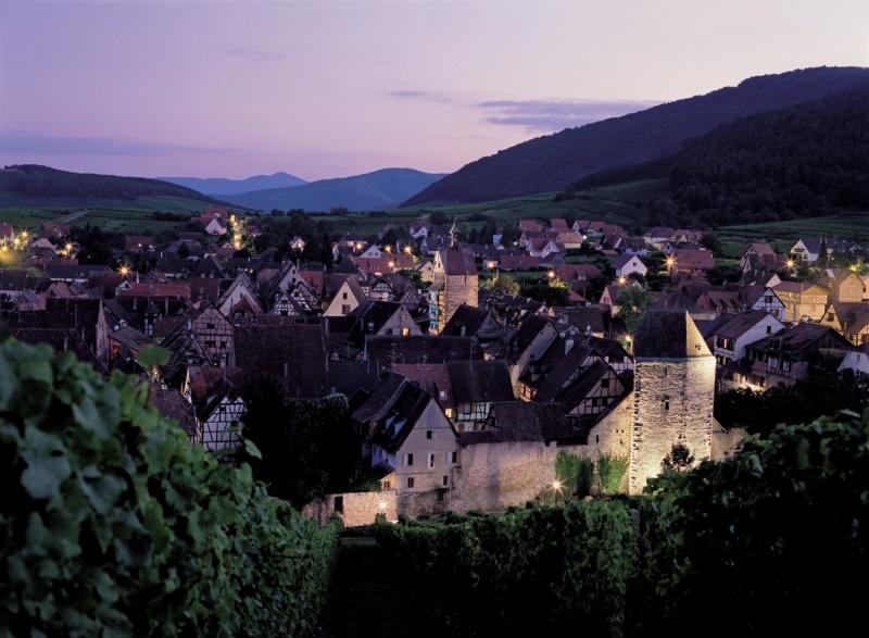 Les plus beaux villages de France  - Page 5 Riquew13