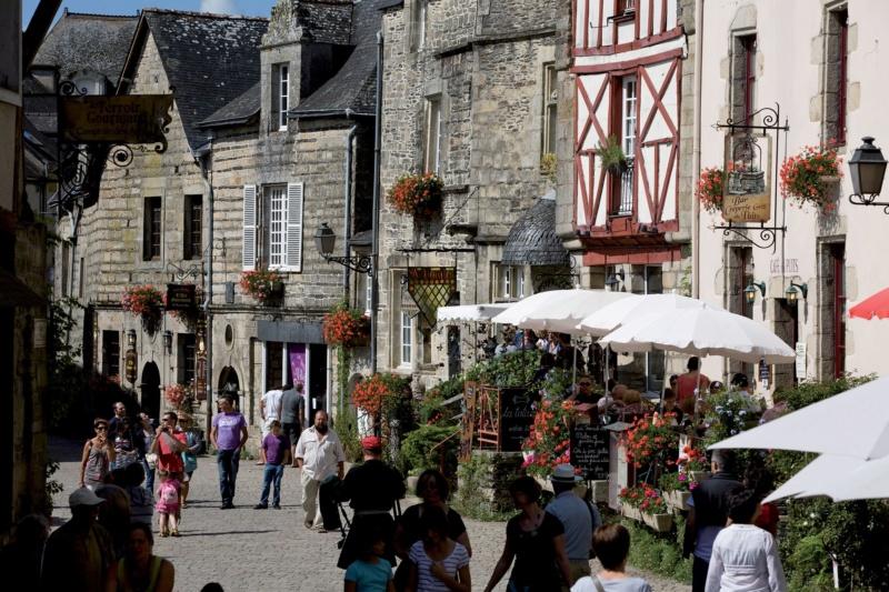 Les plus beaux villages de France  - Page 6 Rochef12