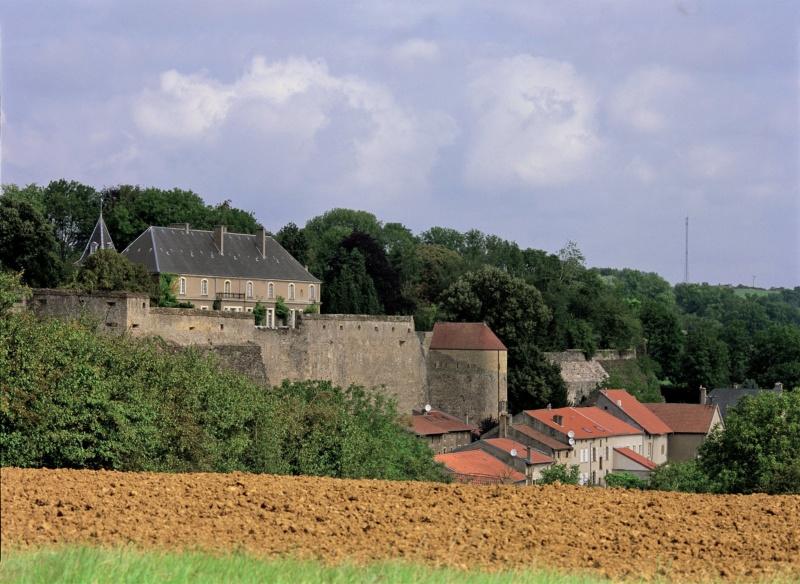 Les plus beaux villages de France  - Page 6 Rodema10