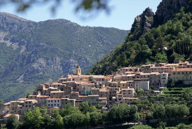 Les plus beaux villages de France  - Page 6 Sainte10