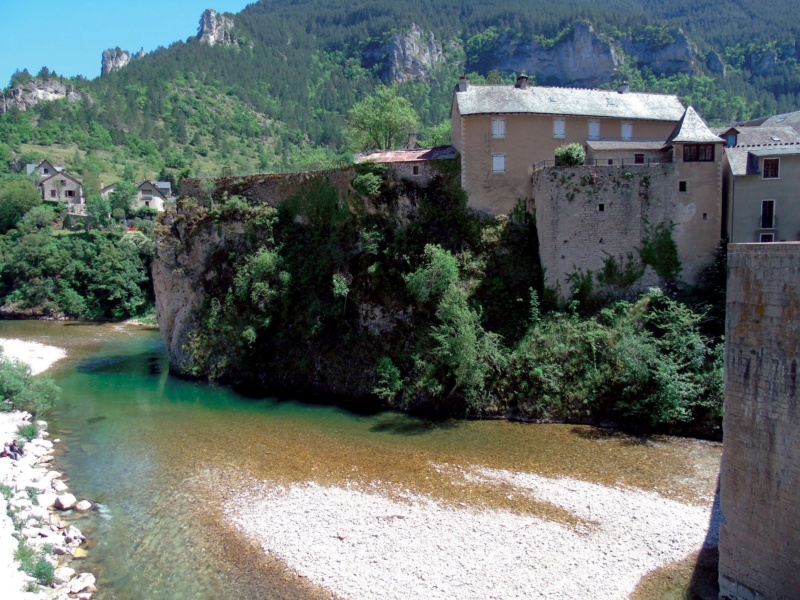 Les plus beaux villages de France  - Page 6 Sainte21