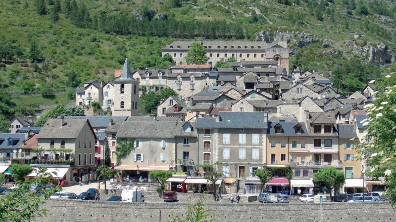 Les plus beaux villages de France  - Page 6 Sainte22