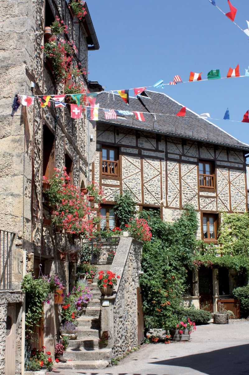 Les plus beaux villages de France  - Page 6 Sainte23
