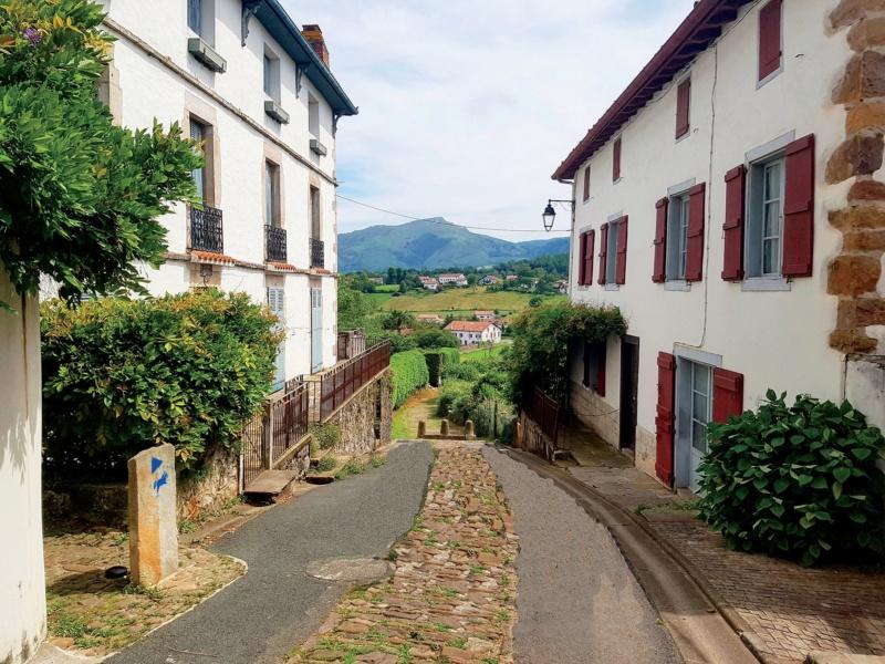 Les plus beaux villages de France  - Page 7 Sare-v10