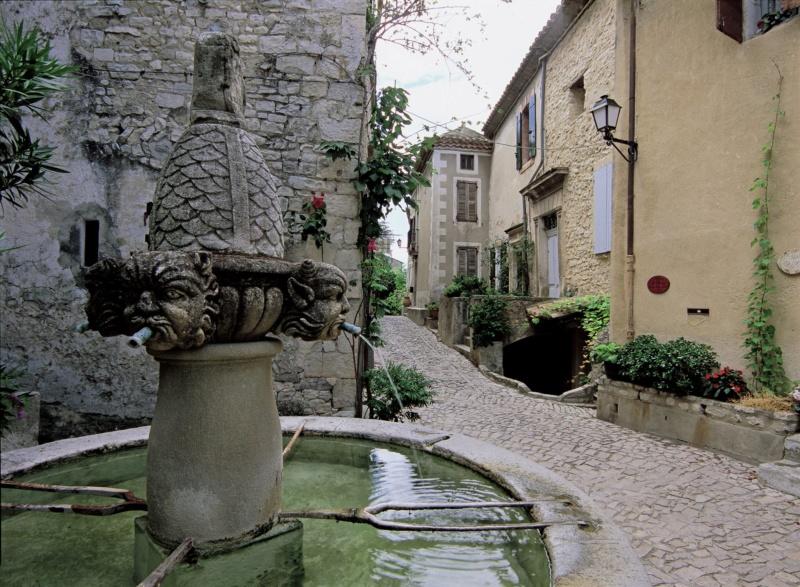 Les plus beaux villages de France  - Page 7 Segure10
