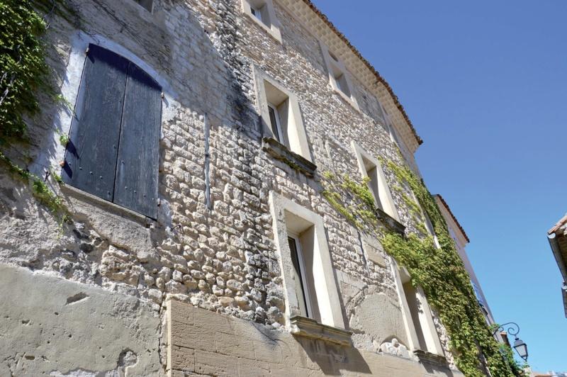 Les plus beaux villages de France  - Page 7 Venasq12