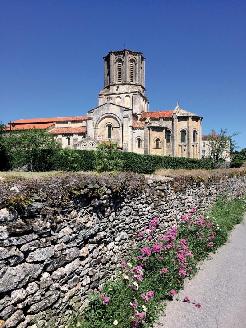 Les plus beaux villages de France  - Page 7 Vouvan16