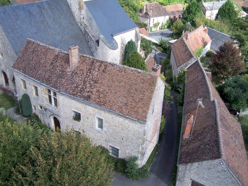 Les plus beaux villages de France  - Page 7 Yevre-10